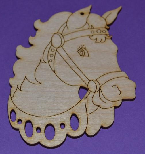 Koník v postroji - dřevěná předloha k dotvoření