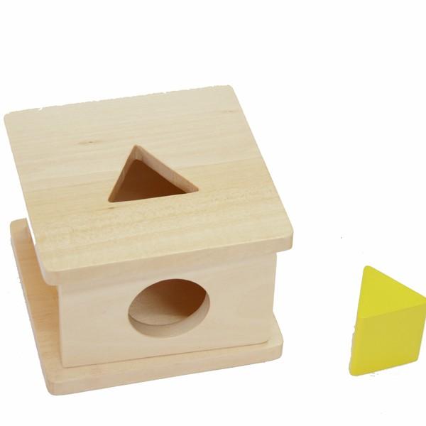 Box na vkládání trojbokého hranolu