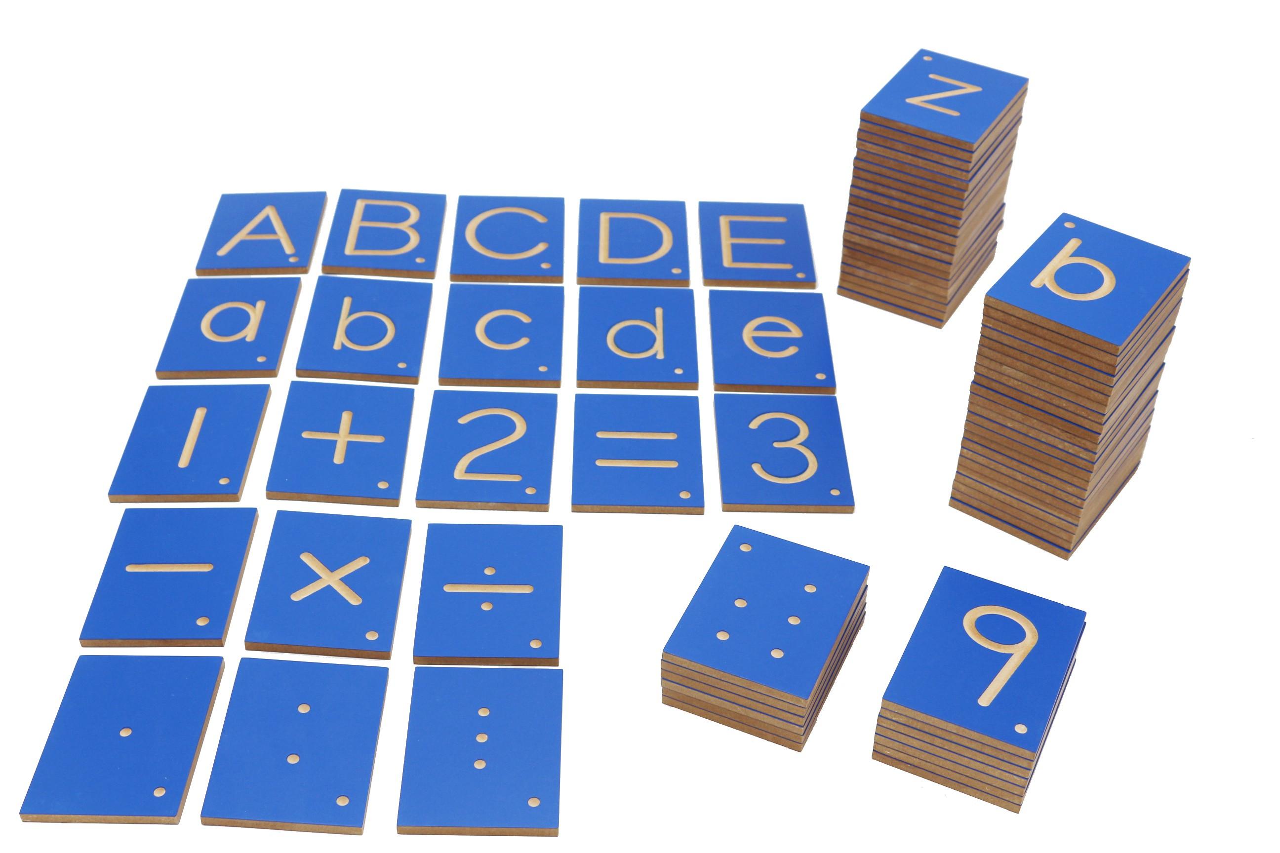 Destičky s čísly a písmeny