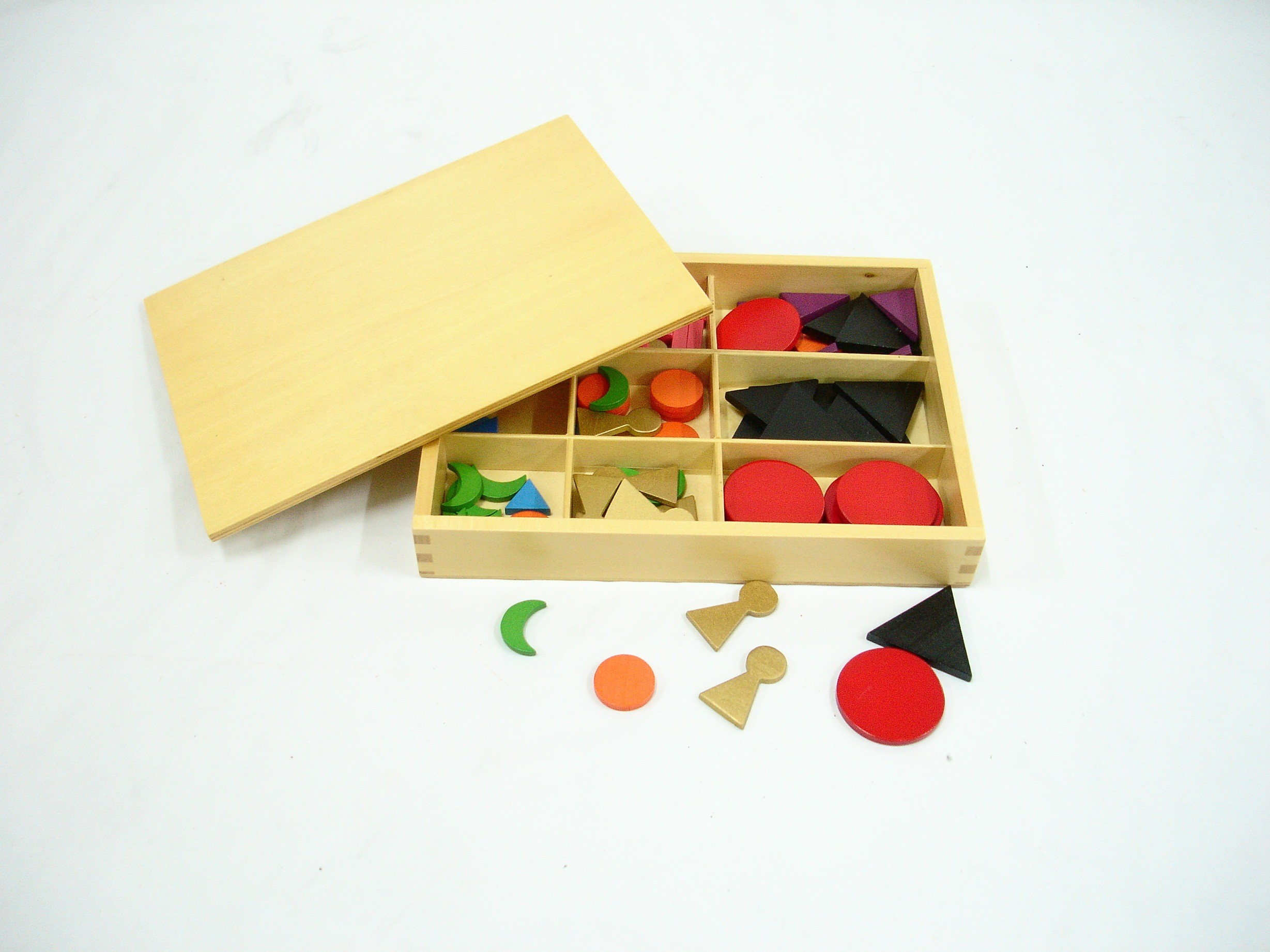 Dřevěné gramatické symboly s krabičkou