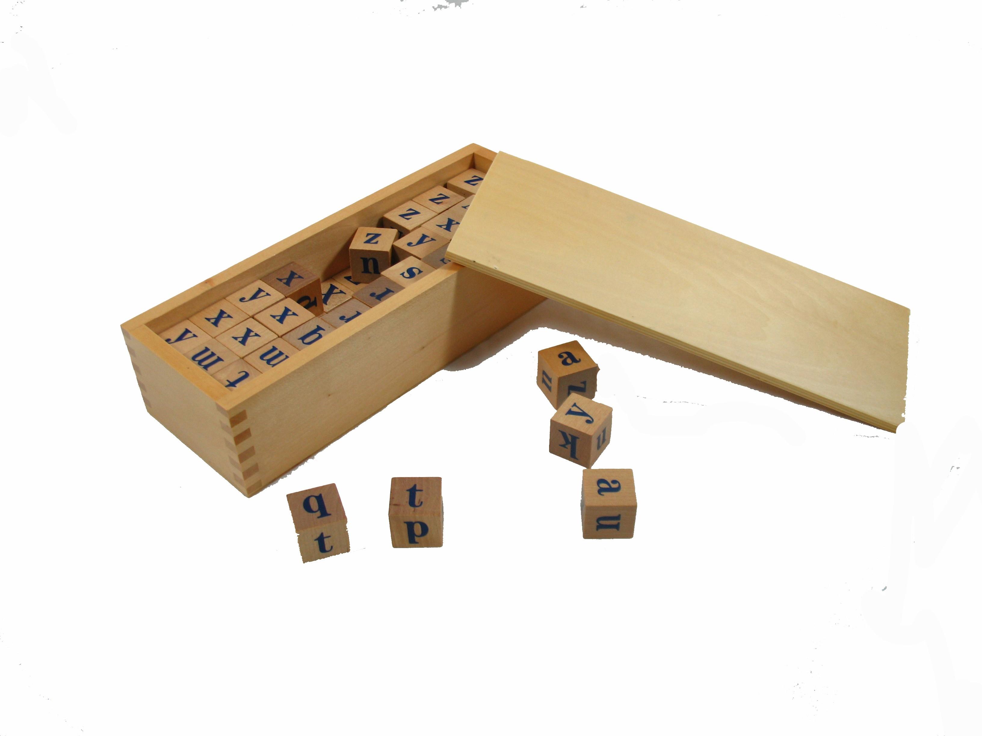 Půjčení: Kostky s abecedou v krabičce