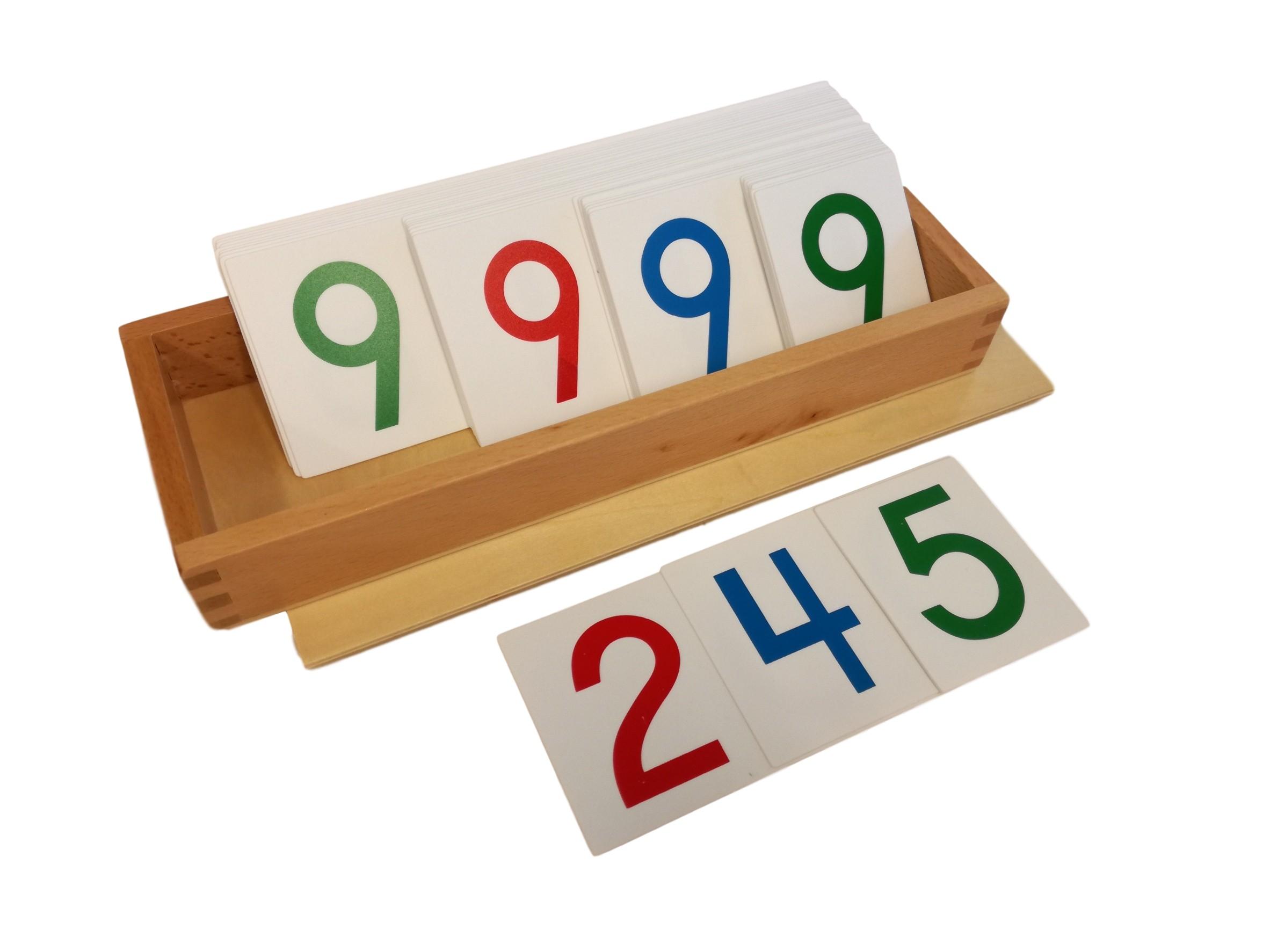 Velké papírové karty s čísly 1-9000